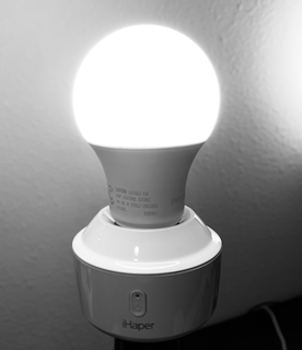 Smart Light Socket: iHaper for HomeKit